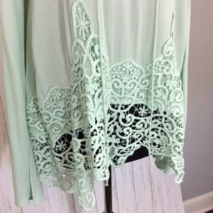 Altar'd State Tops - Altar'd State Mint Lace Long Sleeve Top Sz M